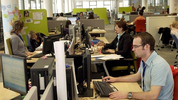 Zaměstnavatel může číst elektronickou poštu a vyvodit z toho důsledky - Ilustrační foto.