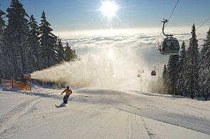 Skipas za 11 tisíc korun propojí poprvé 19 lyžařských areálů v Česku
