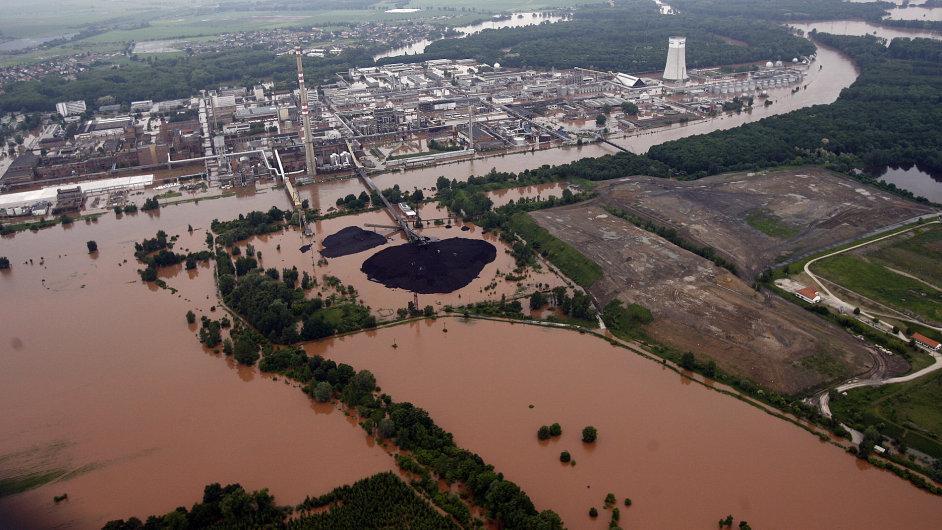 Povodně 2013 - úterý 4.6. Neratovice a chemická továrna Spolana