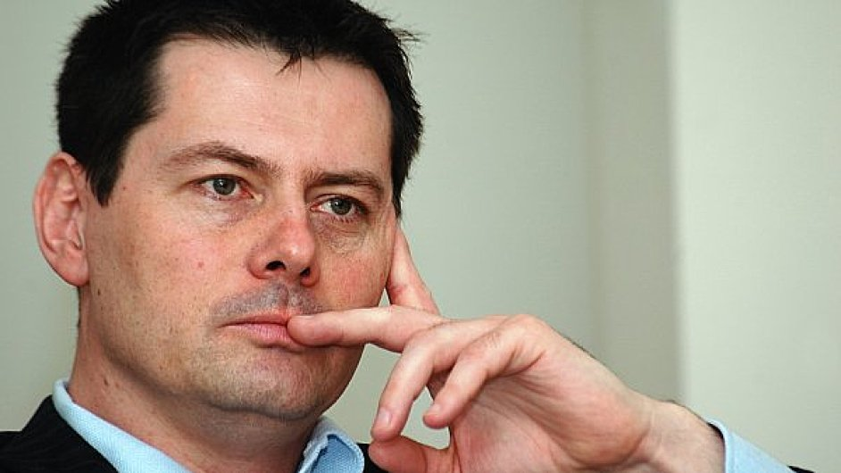 Miliardář Karel Komárek má o zákazníky COOP Energy zájem.