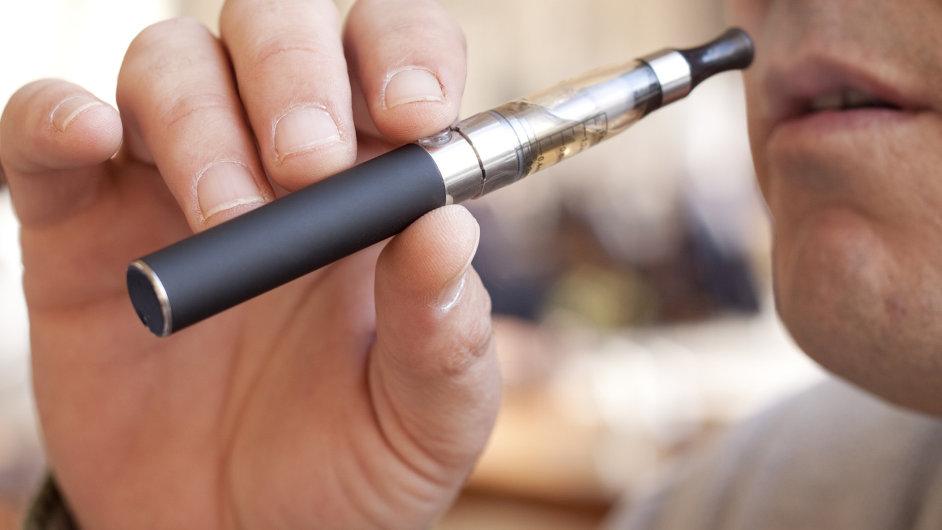 Elektronická cigareta, ilustrační foto