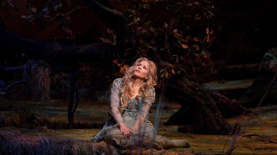 Renée Flemingová jako Rusalka v Metropolitní opeře v NY