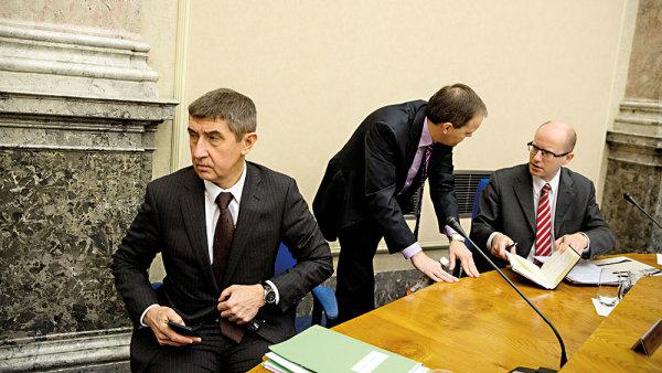 Andrej Babiš a Bohuslav Sobotka při jednání vlády.