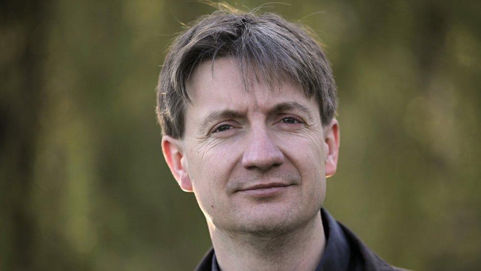 Ray Furlong odešel z funkce vedoucího zahraniční redakce Českého rozhlasu.
