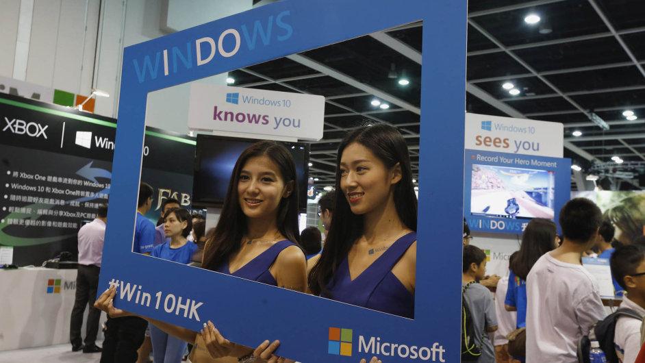 Microsoft spouští Windows 10.