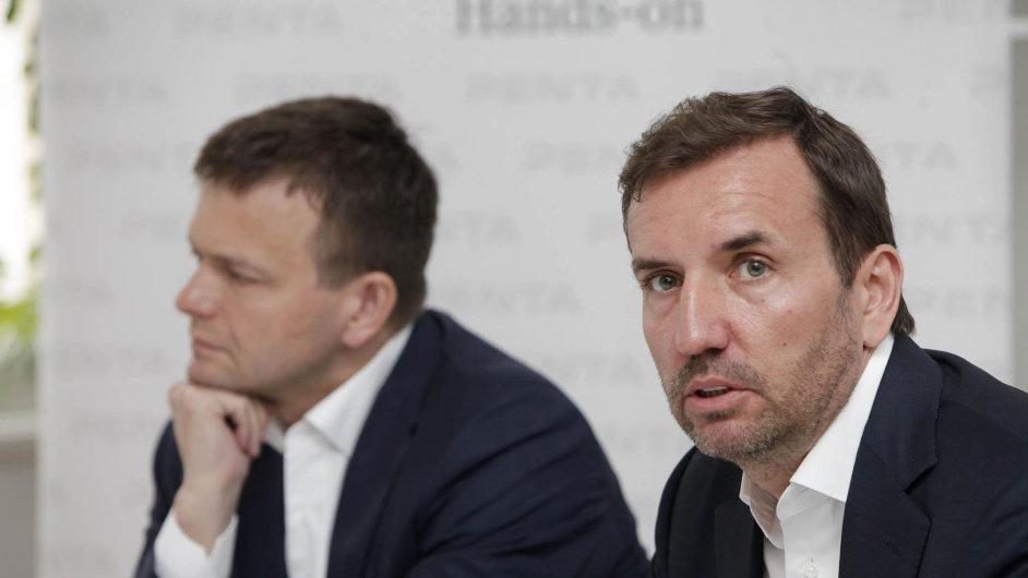 Akvizici Vltava–Labe–Press vyjednává za Pentu Marek Dospiva (vpravo).