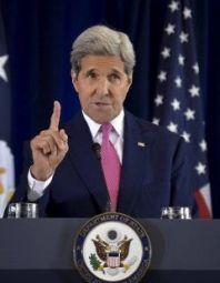 Šéf americké diplomacie John Kerry tvrdí, že Asad musí rezignovat, ale nemusí to být ze dne na den. Autor: Reuters.