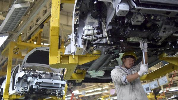 Čínský zpracovatelský průmysl klesá. V lednu dokonce nejvýrazněji za poslední tři a půl roku – ilustrační foto.