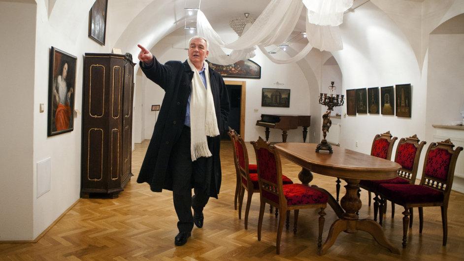Otec města. Josef Gašparík, který stojí v čele Dubnice už třetí volební období, se zasadil o přeměnu jednoho křídla zdevastovaného zámku na městské muzeum.