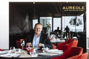 J�dlo v oblac�ch: V restauraci Aureole jsme poob�dvali s realitn�m magn�tem Du�anem Kunovsk�m