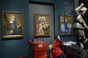 Na 250 exponátů zapůjčených z celého světa shromáždili pořadatelé česko-bavorské zemské výstavy Císař Karel IV. 1316 - 2016.