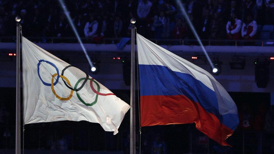 Vlnu zpětných dopingových kontrol vyvolal skandál ruských sportovců.
