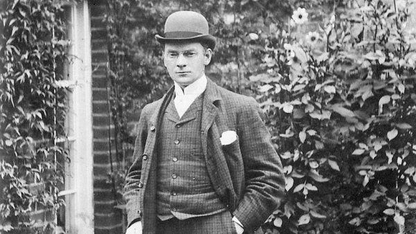 Na snímku je Jerome Klapka Jerome koncem 90. let 19. století.
