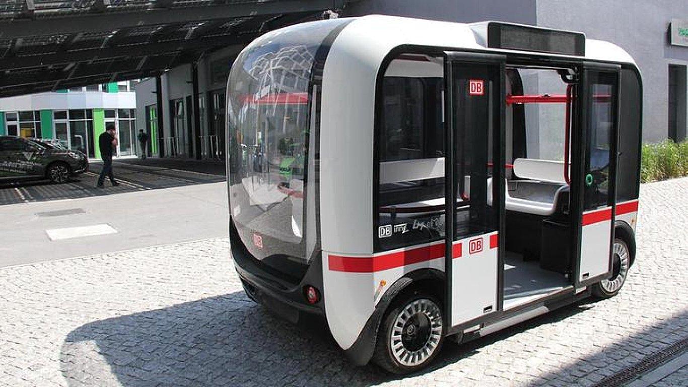 První samořídící autobus Olli testují v Berlíně.