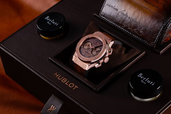 Classic Fusion Chronograph Berluti King Gold in bespoke watch box