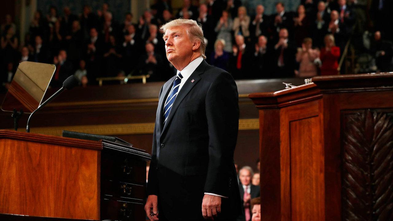 Trump arepublikánský Kongres se vrátili zprázdnin ačeká je