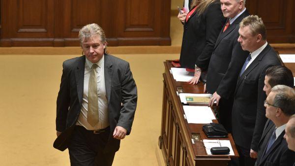 Ustavující schůze Poslanecké sněmovny pokračovala22. listopadu v Praze. Poslanci by měli volit předsedudolní komory.