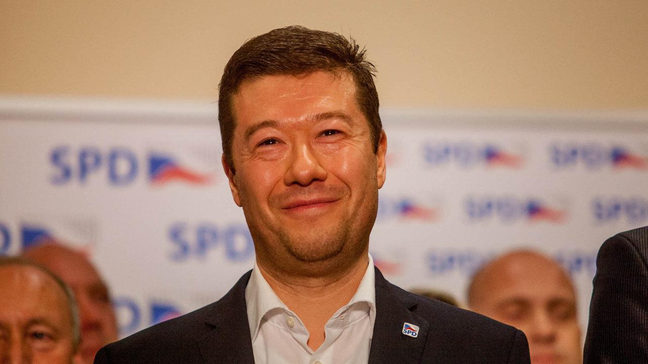 Dlouhodobě Okamurovo hnutí SPD čelí kritice, že podněcují k nenávisti vůči migrantům a Romům. Šéf to odmítá.