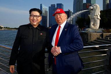 Burgery, tacos, drinky, imitátoři. Obchodníci v Singapuru hýří nápady, jak vydělat na historickém summitu Trumpa a Kima