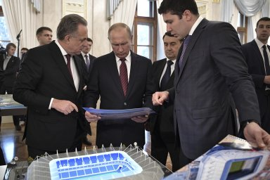 Bilance MS v Rusku: Výdaje 14 miliard dolarů, růst HDP o 0,2 procenta a tržeb restaurací o 16 procent. Návratnost investice je ale v nedohlednu