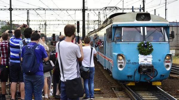 Žabotlam, Emilka neb Lochneska - takové pžezdívky si tento legendární vlak vysloužil.