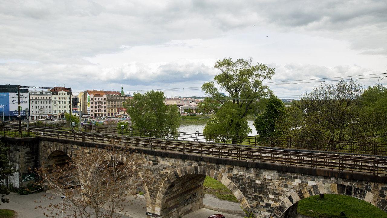 Negrelliho viadukt před rekontrukcí.