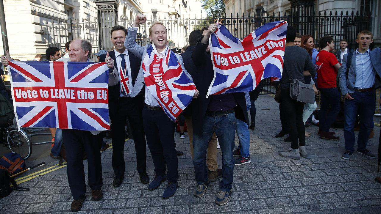 Lidé, kteří prosazovali brexit, jsou nyní překvapeni, že podle všech relevantních odhadů natom bude Británie ekonomicky hůře, než kdyby vEU zůstala.