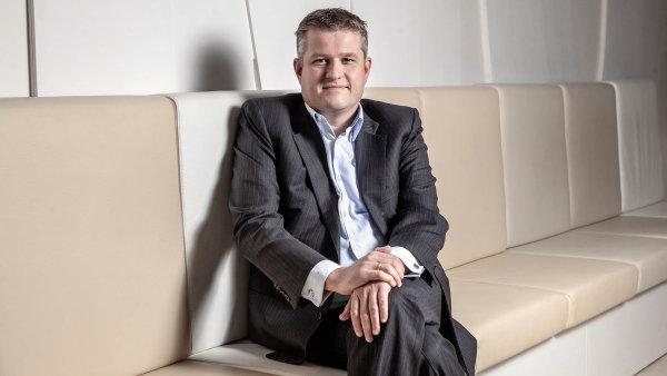 ING ruší vedení po odděleních, inspiruje se u start-upů. Jsme díky tomu schopní přivést na trh produkty třikrát rychleji, říká šéf banky v Česku