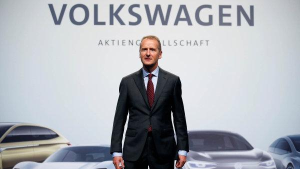 Německé automobilky by při uvalení amerických cel přicházely o obrovské sumy. Volkswagen by to při nejhorším scénáři stálo 2,5 miliardy eur ročně, řekl šéf koncernu