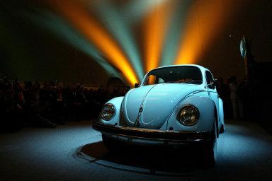 Volkswagen po 80 letech končí výrobu Brouka inspirovaného československou Tatrou T97
