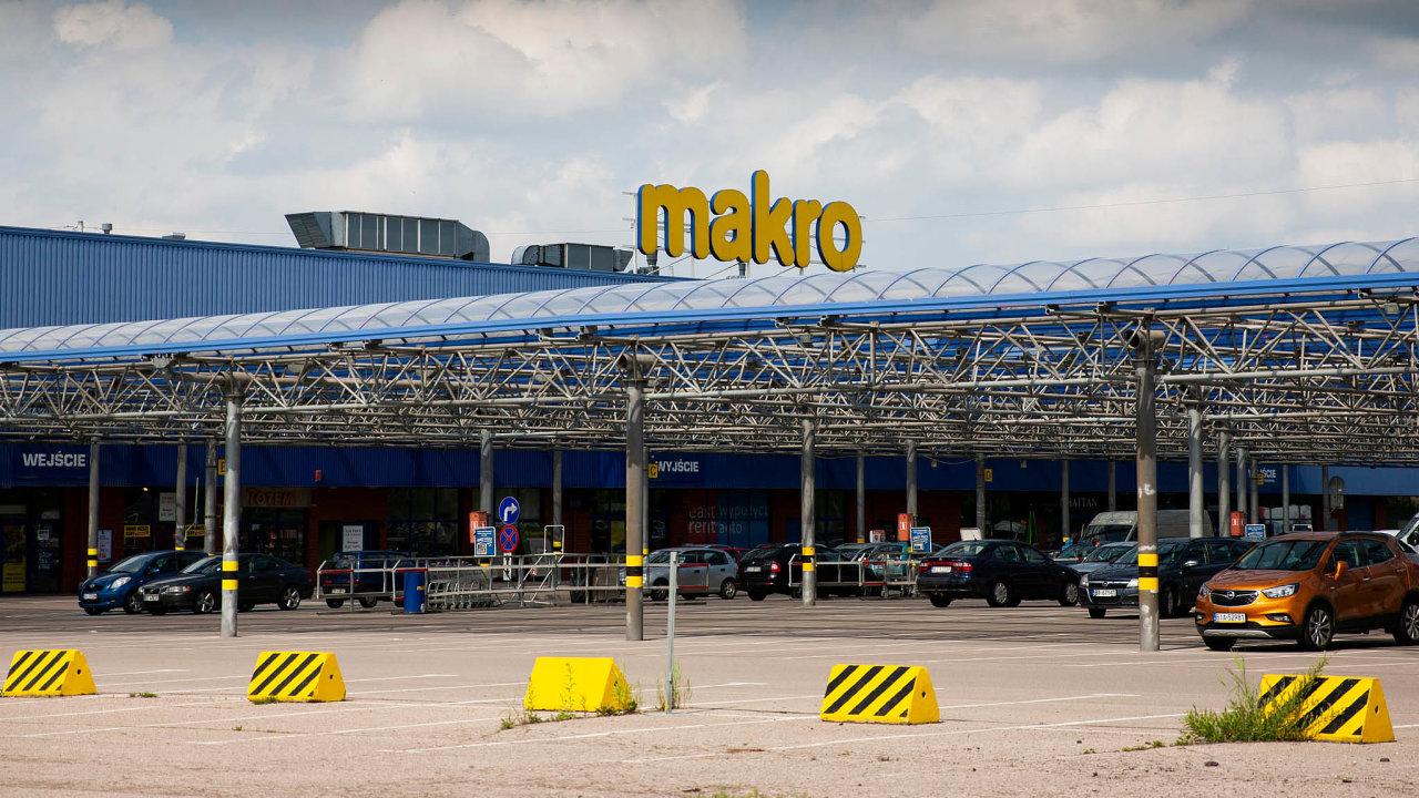 Jsme skladem pro restaurace. Řetězec Makro říká, že není cílem rodinných nákupů.
