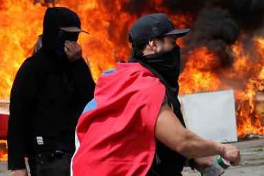 V Chile gradují nepokoje vyvolané zvýšením jízdného. Vláda poprvé od pádu Pinochetova režimu povolala armádu