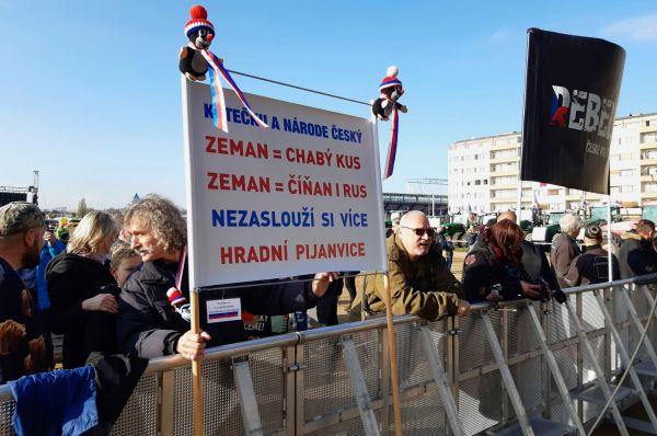 Letná, listopad 2019, demonstrace, Babiš