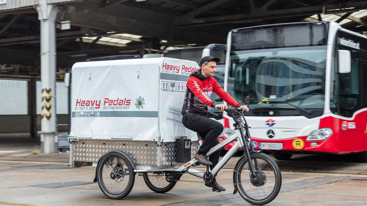 Ve Vídni zkoušejí využít autobusové garáže jako minisklad před finální částí rozvozu zboží.