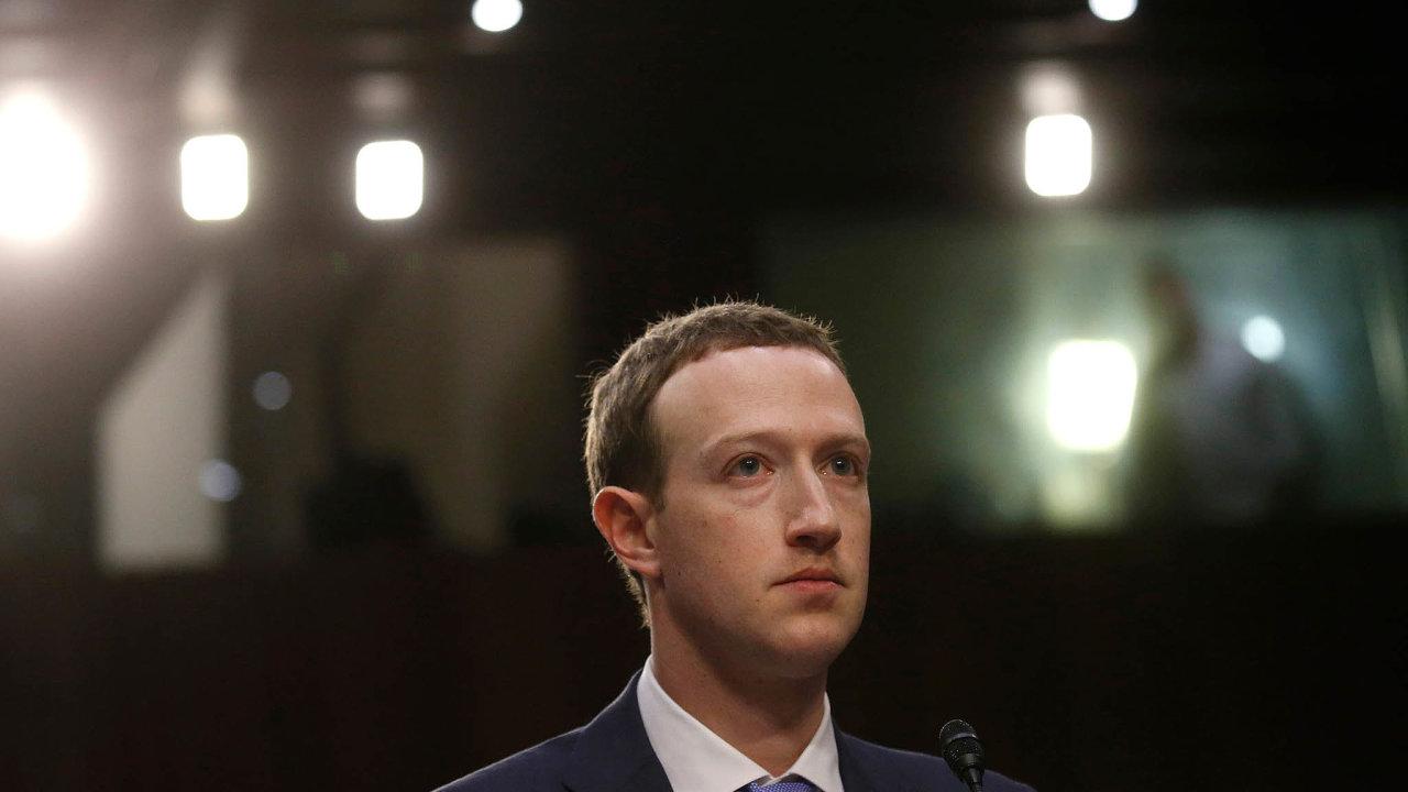 Nejvíce své jmění zvětšil pátý nejbohatší muž planety, šéf společnosti Facebook Mark Zuckerberg. Loni získal dalších šest miliard dolarů.
