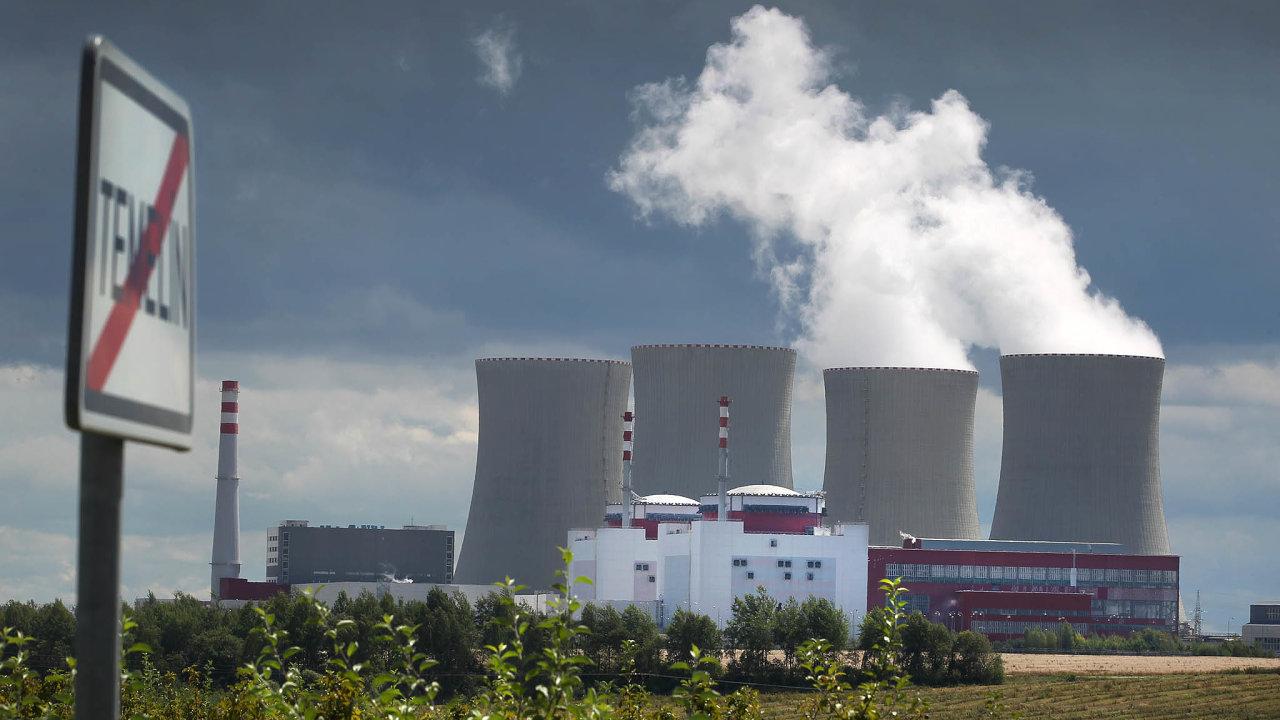 Hotových je zatím jen 17 kilometrů trubek horkovodu, který má z Temelína zásobovat teplem sídliště ve stotisícových Českých Budějovicích.