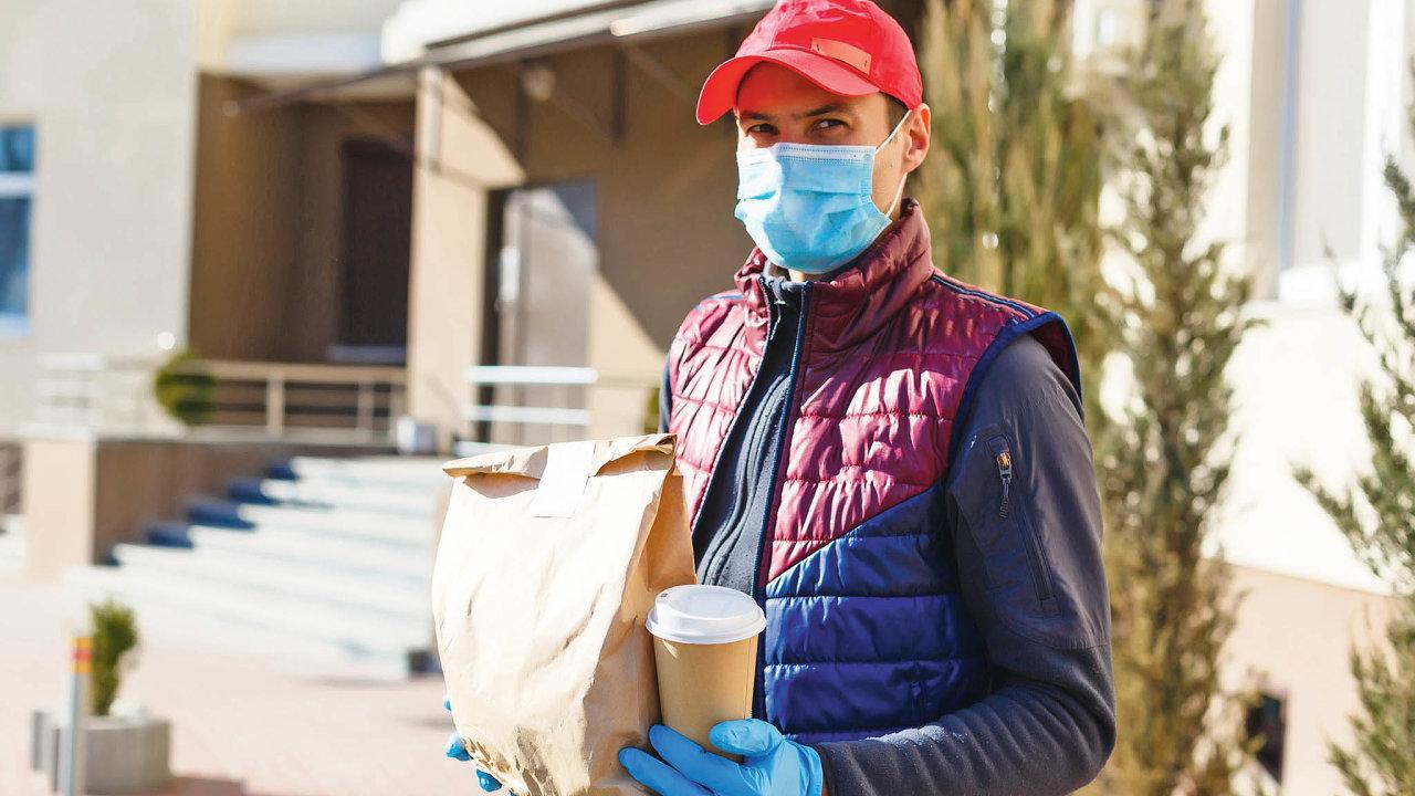 Všichni dodavatelé balíků zavedli vdobě koronavirové krize hygienická opatření nutná pro ochranu zákazníků ivlastních zaměstnanců.