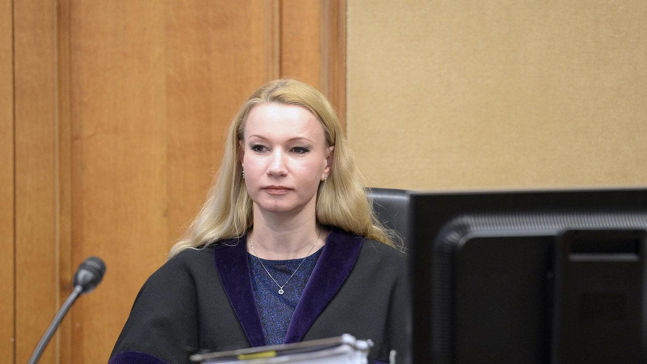 Soudkyně pod drobnohledem. Iva Říhová čelí podezření, že zkreslila protokoly vkauze padělaných obrazů.