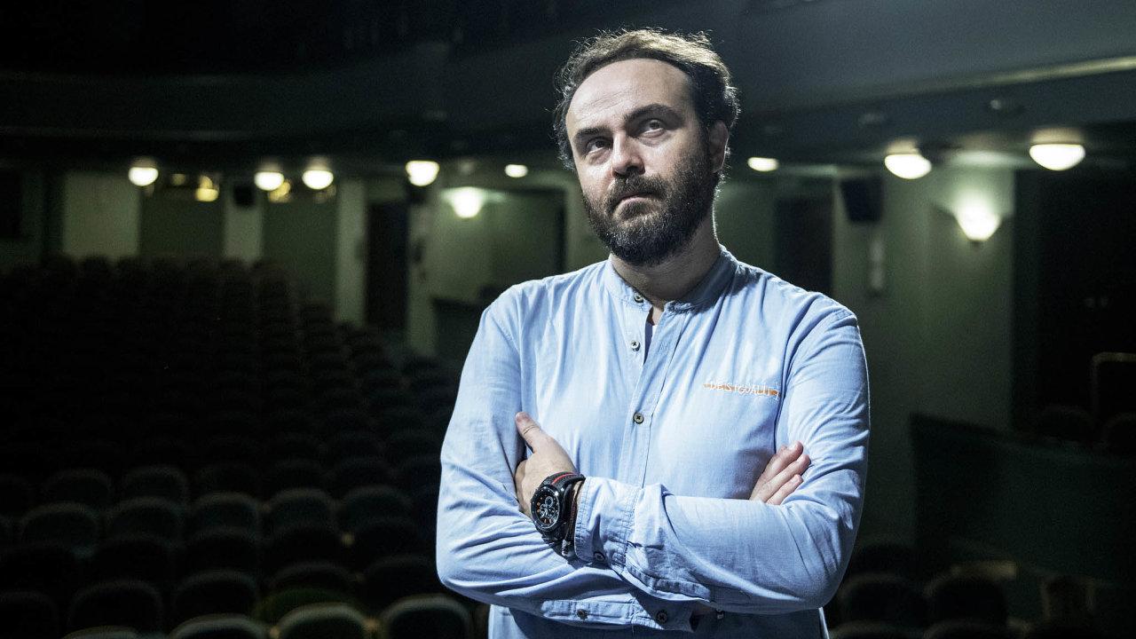 Ředitel zve. Městská divadla pražská začínají sezonu snovým repertoárem a Daniel Přibyl by rád měl i za koronaviru co nejplnější hlediště..