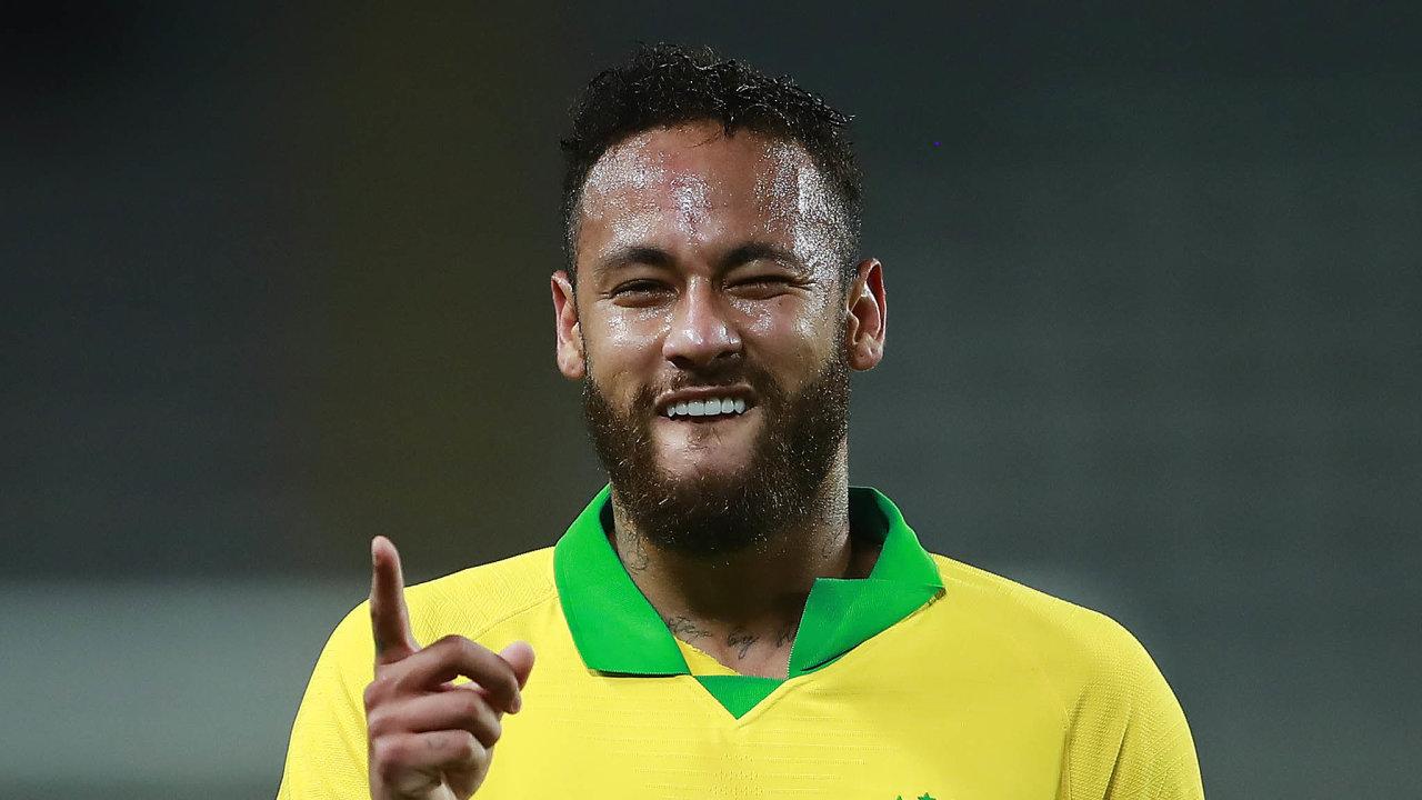 Druhý po Pelém. Brazilský fotbalista Neymar Jr. se v žebříčku reprezentačních střelců posunul na druhé místo, před ním je už jen legendární Pelé.