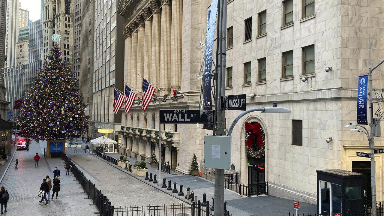 Optimismus naburzách: Některé akciové indexy vUSA aEvropě jsou narekordech. Nasnímku Wall Street.