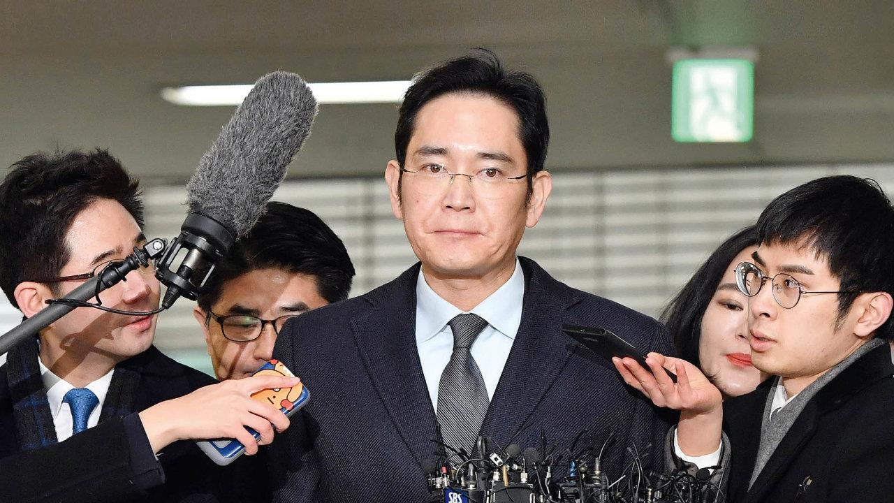 IČe-jong, nástupce včele Samsungu, si odseděl rok vevězení.