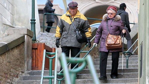 Penzijní fondy, v nichž si spoří miliony Čechů, loni splnily svůj hlavní úkol a překonaly inflaci.