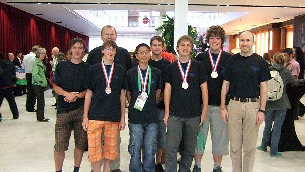 Mezinarodni matematicka olympiada 2011