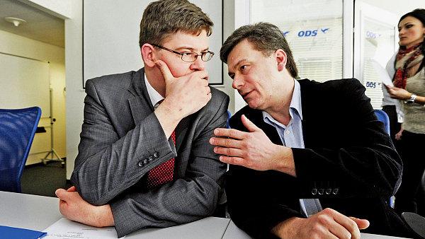 Nov� ministr a jeho p�edch�dce
