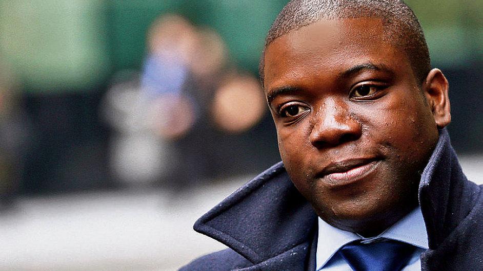 Bývalý makléř UBS Kweku Adoboli před soudem