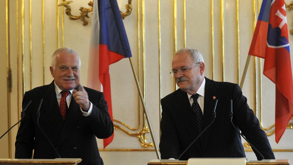 Český prezident Václav Klaus a slovenský prezident Ivan Gašparovič