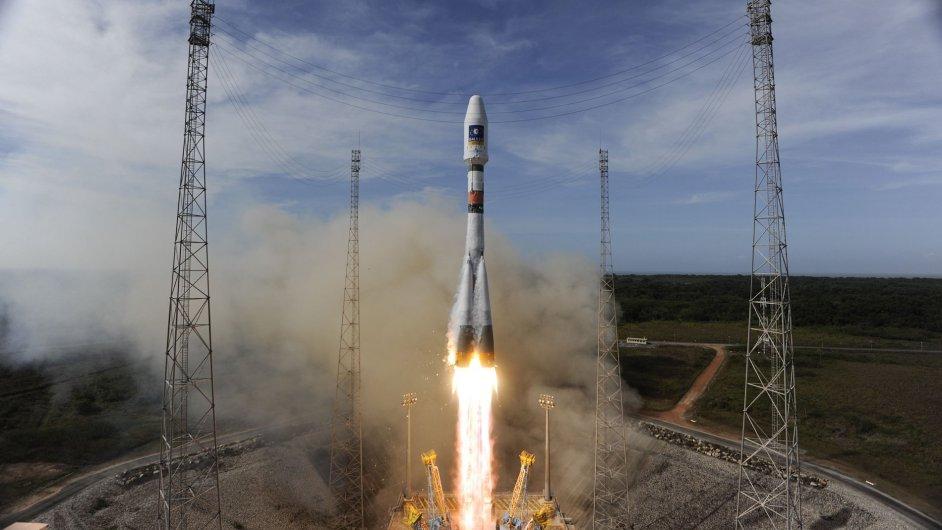 Start rakety Sojuz se satelity na palubě