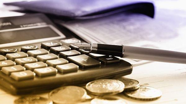 St�t na DPH i firemn�ch dan�ch z�skal v�ce ne� v roce 2014 - Ilustra�n� foto.