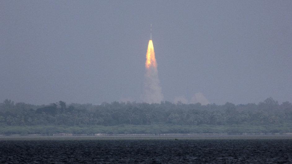 Start indické rakety mířící k Marsu